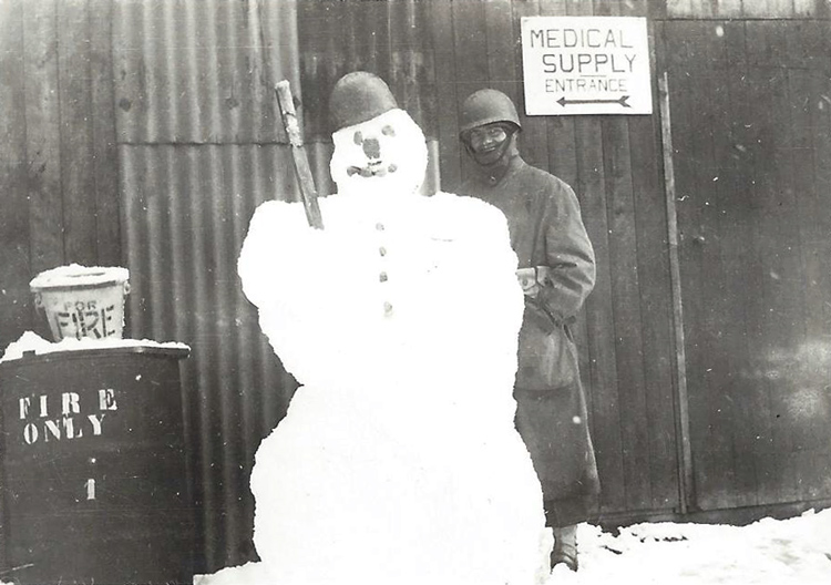 Snowman-Algeria